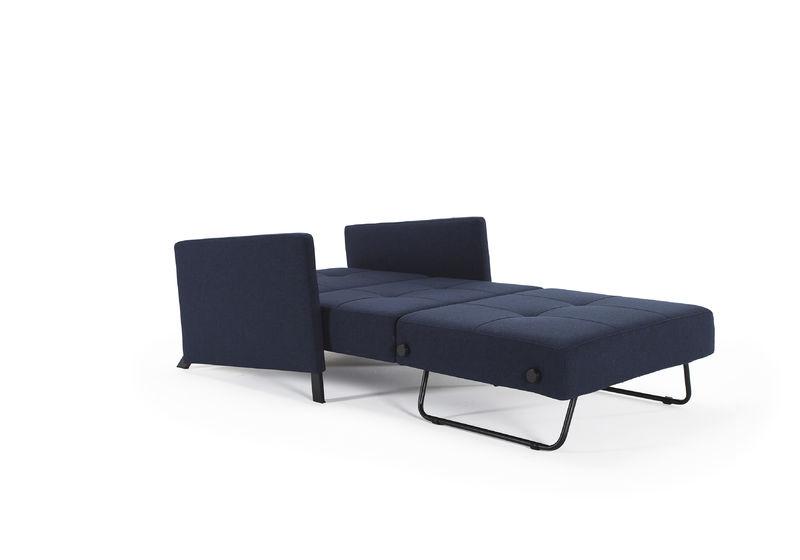 Cubed met armleuningen slaapstoel innovation store by for Slaap stoel